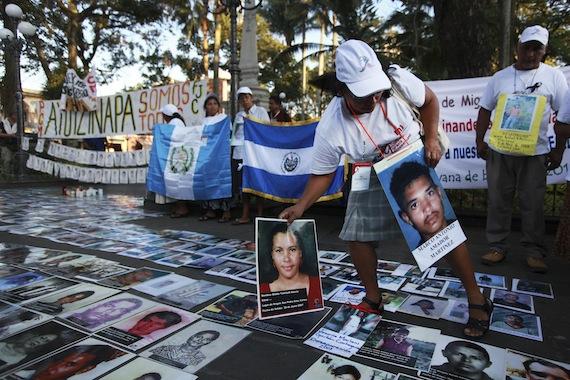 El grupo de madres  criticó la situación en los países de origen de los migrantes. Foto: Cuartoscuro.