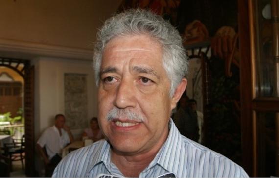 """Tomás Ríos ha enfrentado una serie de acusaciones que van desde favorecimiento de familiares hasta derroche de dinero en """"servicios generales"""". Foto: BlogExpediente, especial para SinEmbargo."""