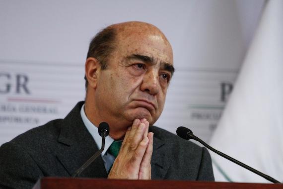 """Murillo Karam al presentar lo que llamó """"la verdad histórica"""". Foto: Cuartoscuro"""