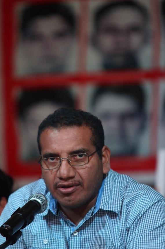 Vidulfo Rosas, abogado de los padres de los 43 en conferencia de prensa Foto: Francisco Cañedo, SinEmbargo