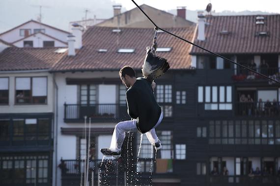 Día de gansos, Antzar Eguna, Lekeitio, Estado Español. Septiembre, 2014. Foto: Cortesía Tras Los Muros.