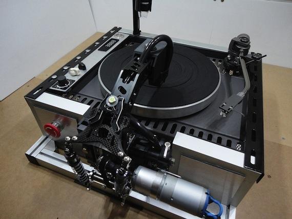El cortador casero promete hacer más accesibles los discos de vinilo para todo público. Foto: Kickstarter