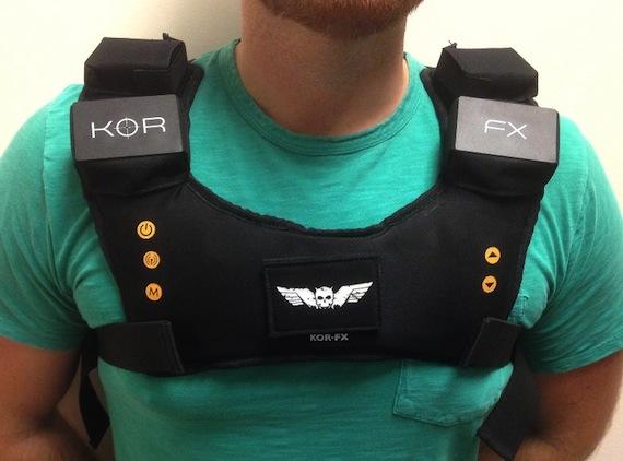 El chaleco háptico KOR-FX  de Immerz se presta para que juegos y películas brinden una mayor experiencia sensorial a los espectadores /jugadores. Foto: Gizmag