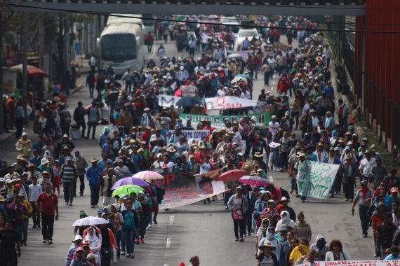 La vanguardia avanzando. Foto: Francisco Cañedo, SinEmbargo.
