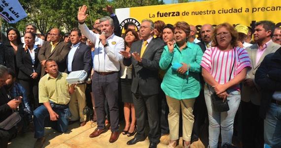 """""""Los delegados chapulines que dejan su cargo a la mitad de su gestión para ir a continuar su carrera política en otra posición"""", dijo Juan Pardinas. Foto: Cuartoscuro"""