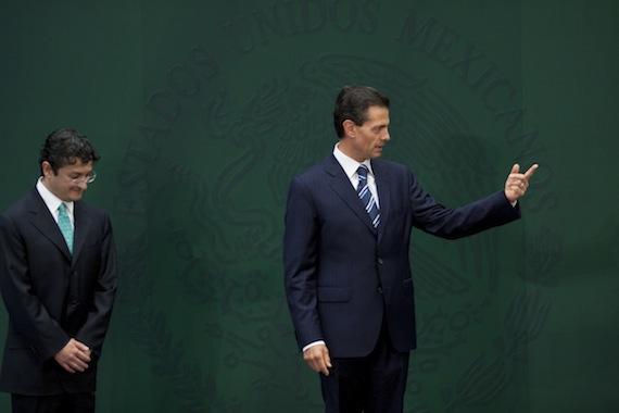 """The Economist cita a activistas anti-corrupción, quienes cuestionan lo imparcial que podrá ser Andrade, """"ya que le debe su trabajo al señor Peña"""". Foto: Cuartoscuro"""