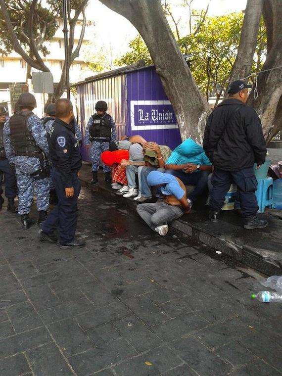 Ya hay algunos detenidos por el enfrentamiento Foto: @reportevialcva