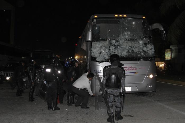 La Policía Federal implementó se enfrentó con los maestros. Foto: Cuartoscuro