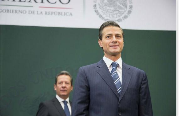 El Presidente pidió ayer que se investigarñan todos los contratos con empresas a las que él, su esposa y el Secretario de Hacienda han comprado casas. Foto: Preisdencia de México