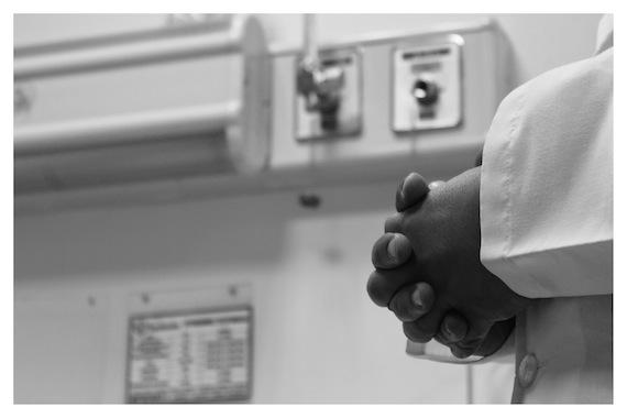 En ninguno de todos los casos que han atendido a lo largo del conflicto han hecho distinción con los heridos. Foto: Emmanuel Gallardo Cabiedes/RNW.