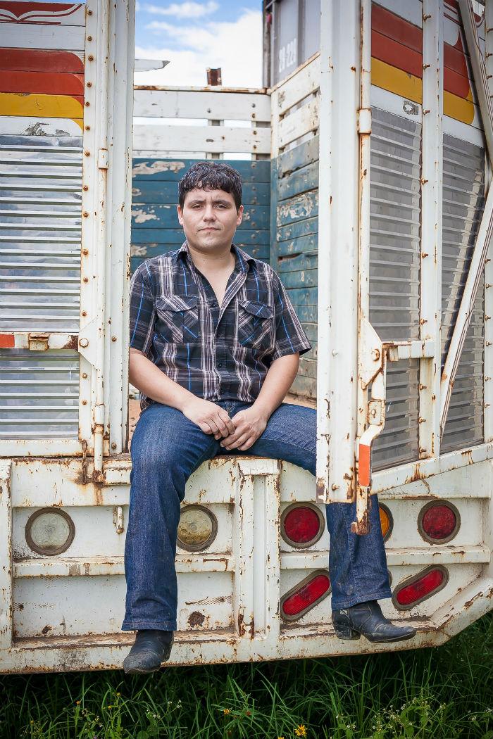 Todo Fine con Juan Cirerol, el artista de Mexicali. Foto: Universal Music