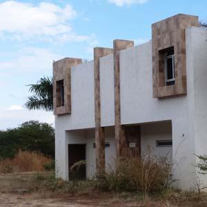 El conjunto de edificios albergaba las oficinas del Chayo. Foto Humberto Padgett SinEmbargo.