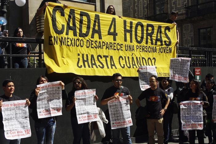Jóvenes se manifestaron en el Zócalo de la Ciudad de México. Foto: Cuartoscuro