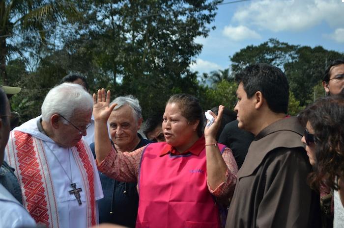 El Obispo Raúl Vera acompañó ayer a Las Patronas. Foto: Yerenia Rolón, Blog Expediente