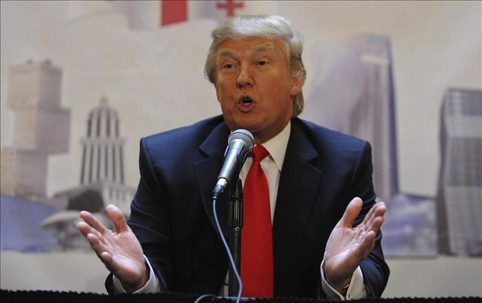 Donald Trump ha sido acusado de fraude, engaño, de promoción de su imagen para estafar, incumplimiento de contratos y daños al medio ambiente Foto: EFE