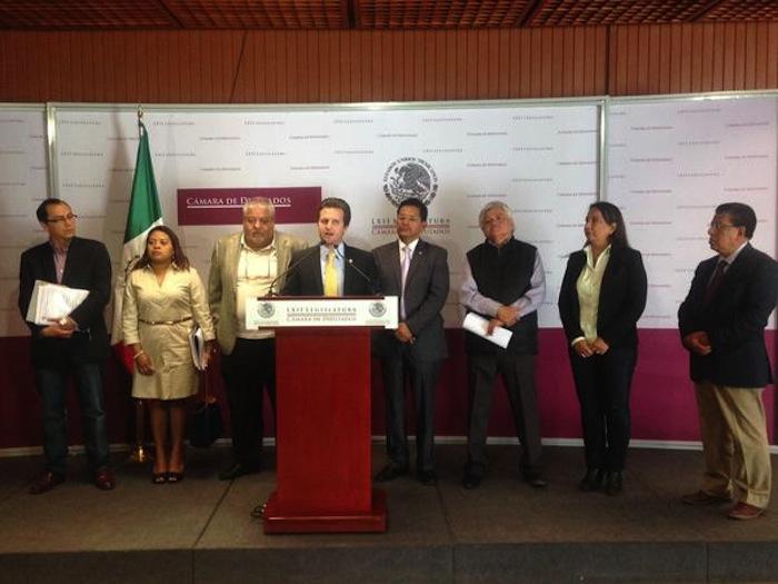 Diputados del PRD denunciaron que la Ley General de Aguas es un retroceso Foto: PRD