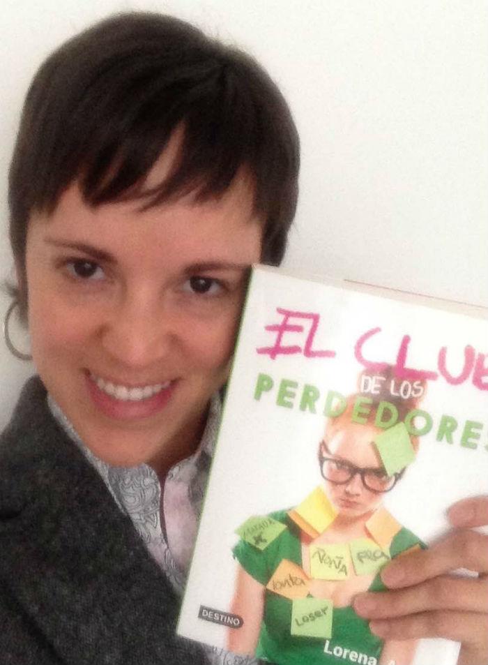 La autora explora el tema del bullying y de la identidad en su nuevo libro. Foto: Cortesía de Lorena Amkie