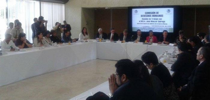 El Secretario de Gobierno mexiquense José Manzur Quiroga en mesa de trabajo. Foto: Sergio Rincón, SinEmbargoMx.