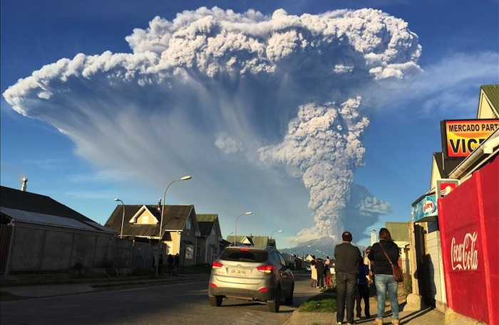 First day eruption Calbuco volcano Chile