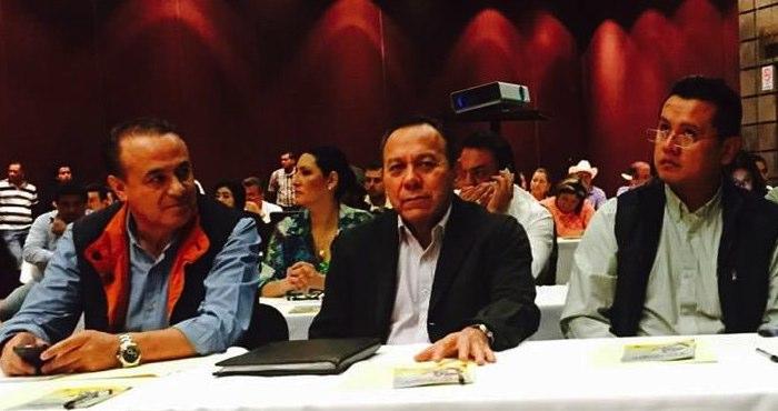 Zambrano al medio, durante un taller electoral en Morelia, Michoacán  Foto: Vía Twitter @Jesus_ZambranoG