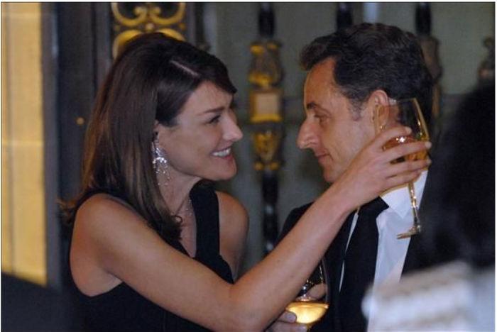 Carl Bruni y NIcolás Sarkozy durante su visita a México, en 2009. Foto: Efe