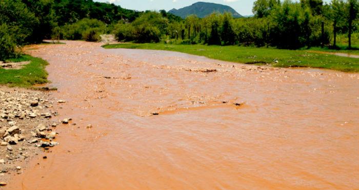 El Río Sonora después del derrame responsabilidad de Grupo México. Foto: Cuartoscuro.