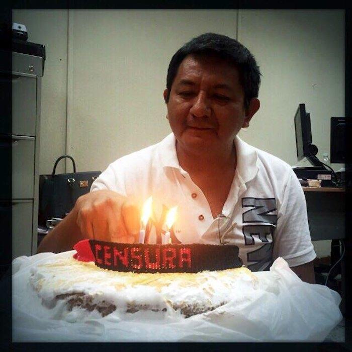 El periodista celebrando su cumpleaños en la cárcel. 19 de mayo de 2014. Foto: Especial.