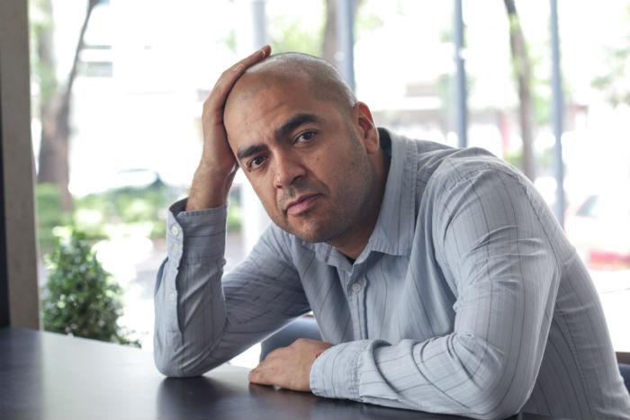 El autor nació en Puebla en 1977 y vive en Cholula. Foto:  Francisco Cañedo, SinEmbargo