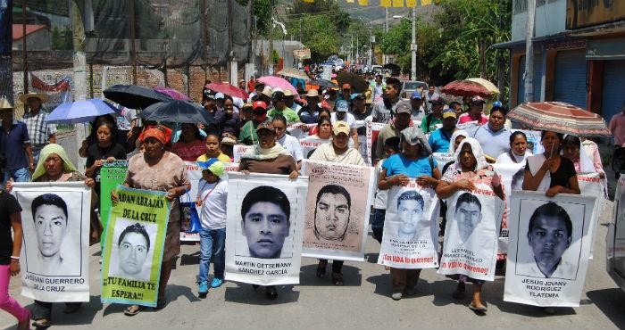 La desaparición forzada de 43 estudiantes de Ayotzinapa, Guerrero, en septiembre del año pasado no fue un suceso aislado en la historia mexicana. Foto: Cuartoscuro