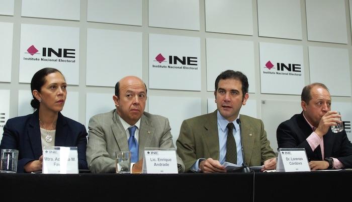 Lorenzo Córdova, consejero presidente del Instituto Nacional Electoral, acompañado del resto de los consejeros electorales, ofreció un mensaje ante medios de comunicación. Foto: Cuartoscuro