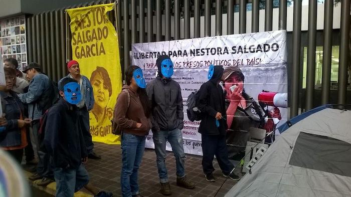 Activistas se manifiestan por la liberación de Nestora Salgado en la colonia Juárez. 29 de mayo. Foto: Facebook.