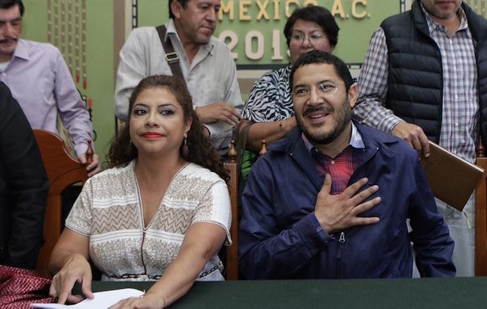 Clara Brugada, candidata al gobierno de Iztapalapa, y Martí Batres, dirigente de Morena. Foto: Luis Barrón, SinEmbargo.