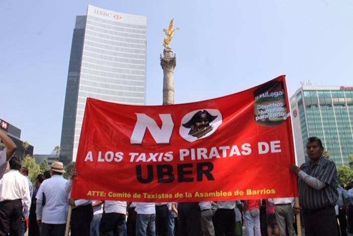 Cientos de taxistas se manifestaron en contra del servicio Uber el pasado 25 de mayo. Foto: Luis Barrón, SinEmbargo