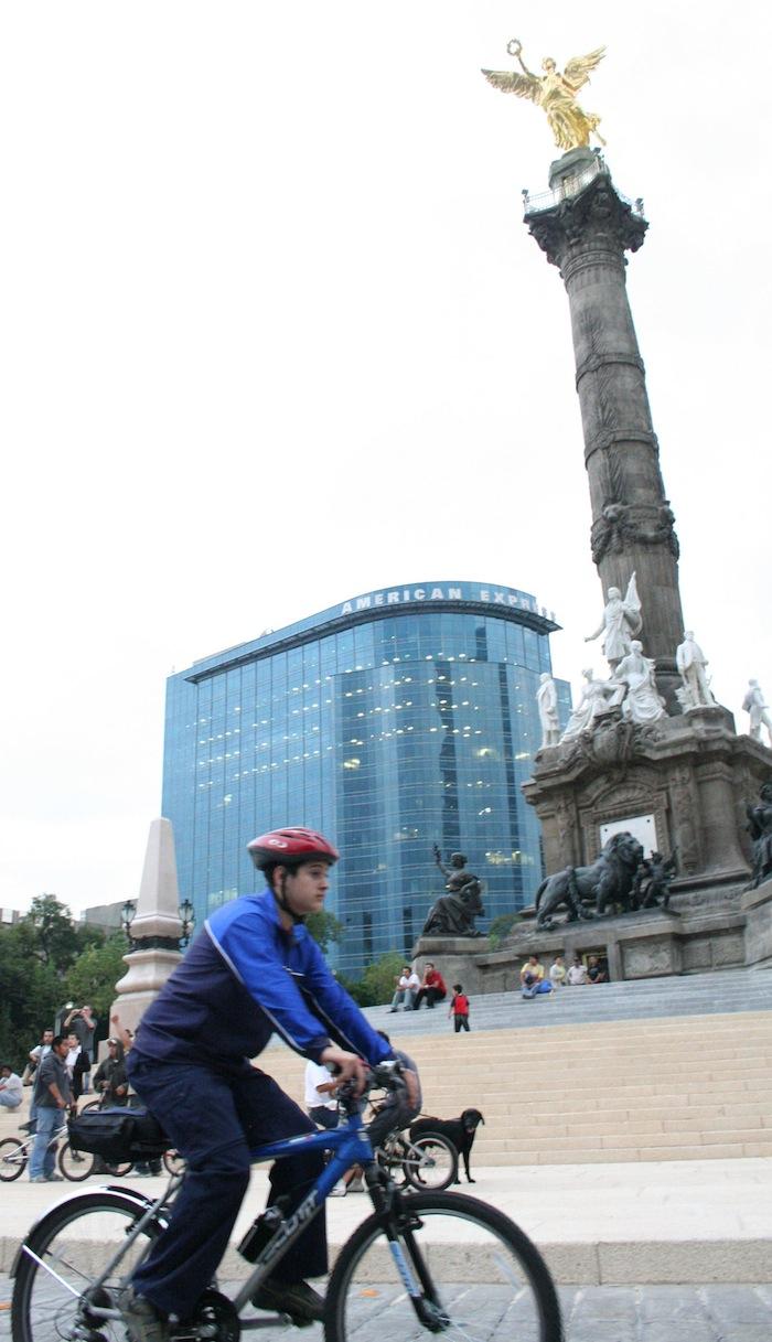Aunque México y su capital cuenta con iniciativas que promueven el uso de la bicicleta, hay un atraso respecto a otras urbes. Foto: Cuartoscuro