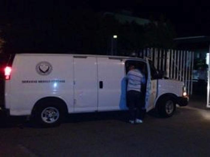 Los cadáveres de los dos supuestos agresores fueron trasladados a los laboratorios de criminalística del Sinaloa. Foto: Noroeste