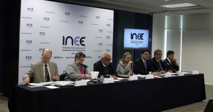 Consejeros del INEE donde dieron a conocer los avances de la evaluación docente. Foto:  @INEEmx