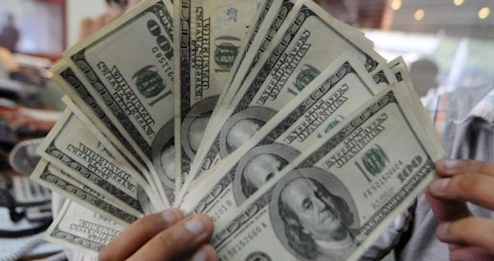 En lo que va del año, más de 3 mil millones de dólares han salido de México. Foto: EFE
