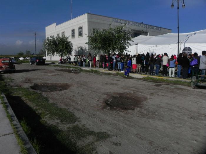 Durante siete horas se entregaron televisiones en el municipio mexiquense. Foto: Daniela Barragán, SinEmbargo