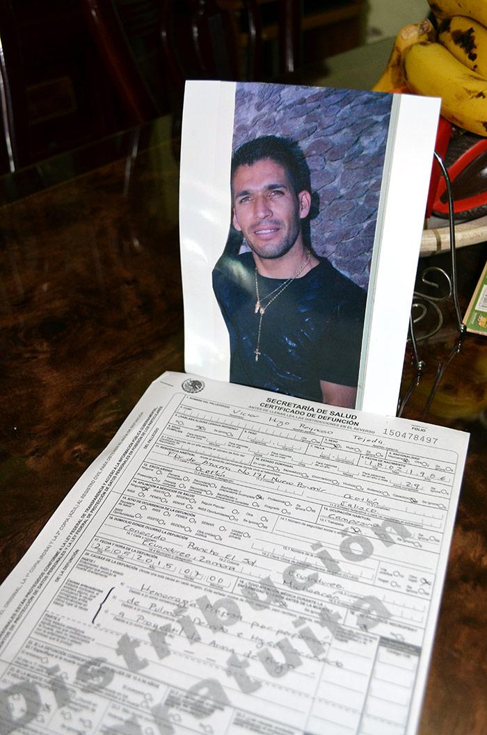 Víctor Hugo Reynoso Tejeda y su acta de defunción alterada en hora y motivo. Foto: Sanjuana Martínez