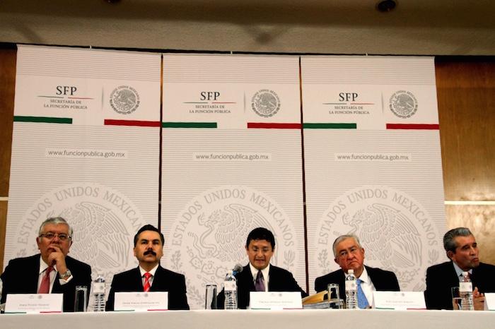 Andrade Martínez dijo que ni el Presidente Enrique Peña Nieto, ni el Secretario de Hacienda Luis Videgaray intervinieron en procesos de contratación. Foto: Luis Barrón, SinEmbargo.