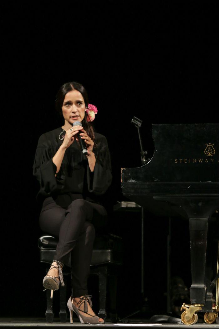 """La cantautora presentó a la prensa su disco """"Algo sucede"""" en el Teatro de la Ciudad. Foto: Francisco Cañedo, SinEmbargo"""