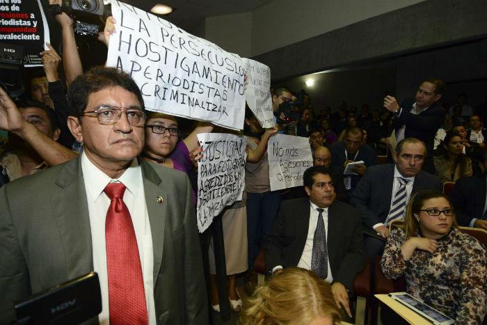 Manifestación de periodistas el 22 de noviembre de 2013 durante la comparecencia del Secretario de Seguridad Pública de Veracruz, el 22 de noviembre de 2013. Foto: Cuartoscuro