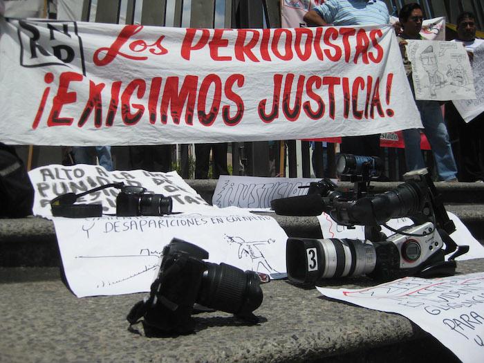 En julio de 2010, las calles de Chilpancingo, Guerrero, se llenaron de periodistas exigiendo justicia por sus colegas asesinados. Foto: Cuartoscuro