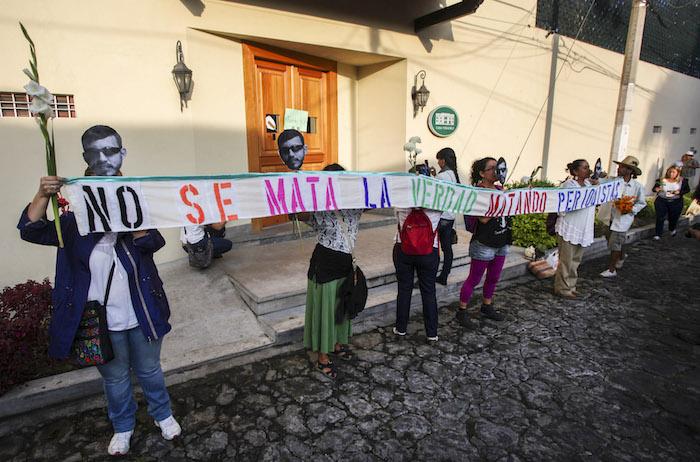 Protesta en Xalapa, Veracruz, por el multihomicidio de la colonia Narvarte. 10 de agosto. Foto: Cuartoscuro.
