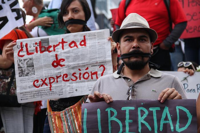 Imagen tomada durante la concentración por la muerte de Rubén Espinosa en el DF. Foto: Cuartoscuro
