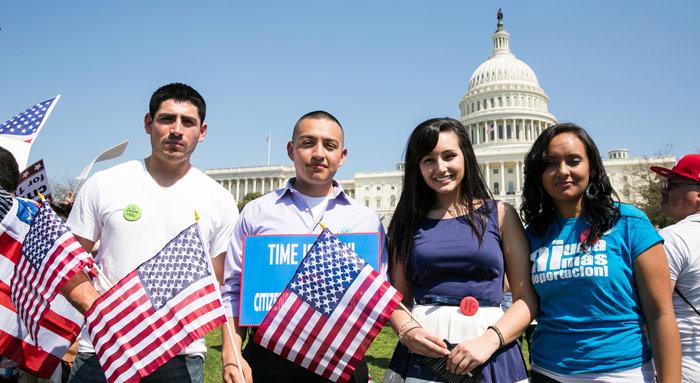 """Los llamados """"dreamers"""", en busca de residencia legal. Foto: educationvotes.nea.org"""