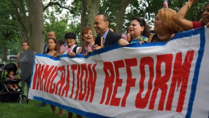 Muchos se quedan allá a vivir. A las universidades y los centros de investigación no les importan los papeles. Foto: educationvotes.nea.org