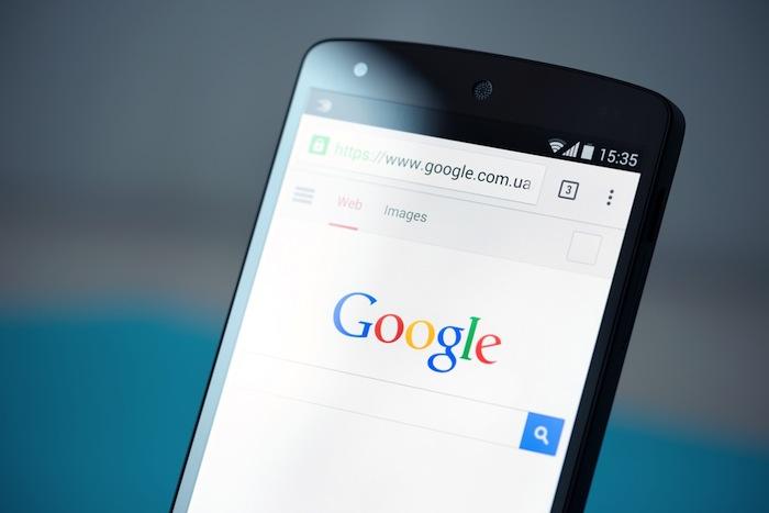 Los sitios amigables con la tecnología móvil tienen prioridad en el motor de búsqueda de Google. Foto: Shutterstock