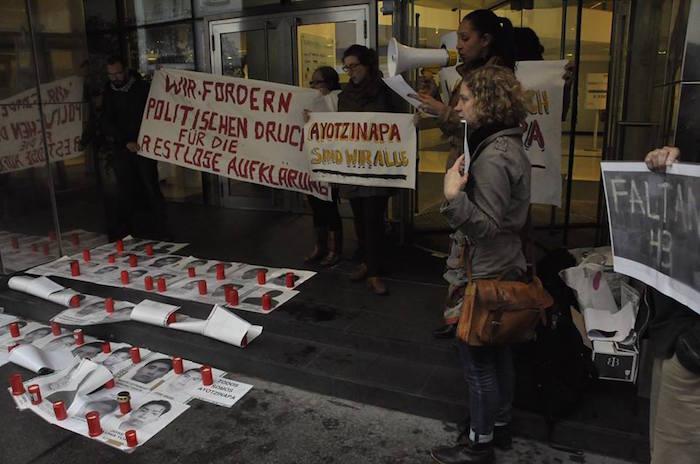 Austria Ayotzinapa 1 año