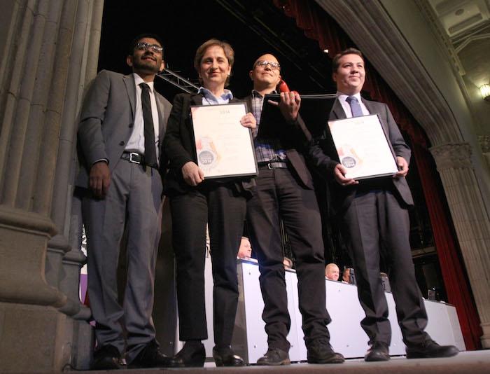 La periodistas Carmen Aristegui y el equipo de Aristegui Noticias. Foto: Cuartoscuro